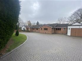 5 bedroom detached bungalow for rent