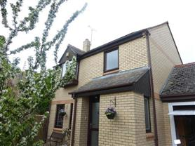 3 bedroom  link detached house