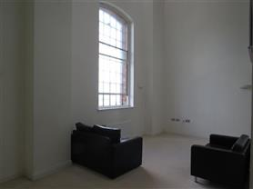3 bedroom mews for rent