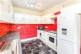 6 bedroom mid-terraced house