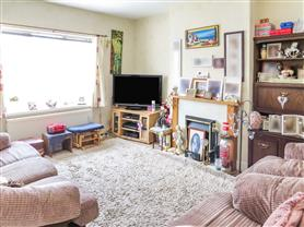 4 bedroom maisonette flat