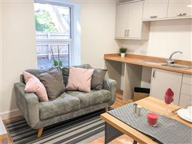 1 bedroom converted apartment