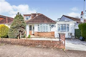 5 bedroom detached bungalow