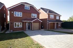 6 bedroom detached house