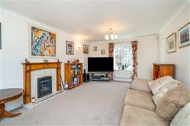 4 bedroom detached house