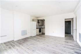 2 bedroom upper floor apartment