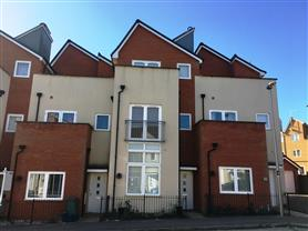 3 bedroom town house for rent