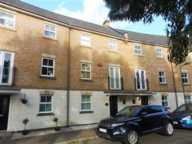 5 bedroom town house for rent