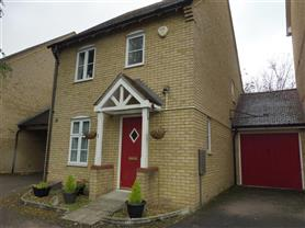3 bedroom link detached house for rent